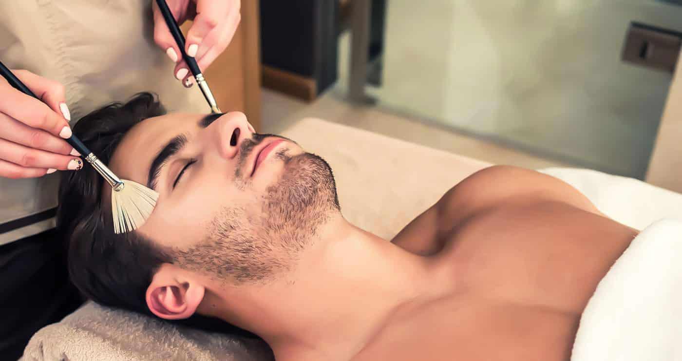 aroma soins esthétiques pour les hommes, massage sportif, épilations hommes, soins du visage hommes